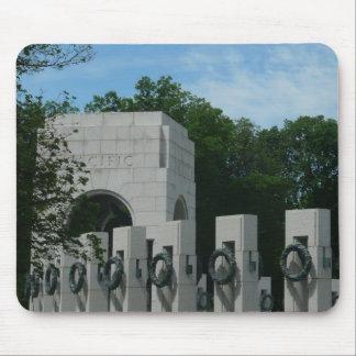 WWIIの記念物はWashington D.C.のIIを包みます マウスパッド