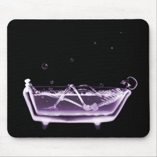 X線骨組B&WのBathの時間紫色 マウスパッド