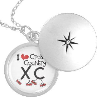 XCを走るIのハート(愛)のクロス・カントリーをカスタマイズ ロケットネックレス