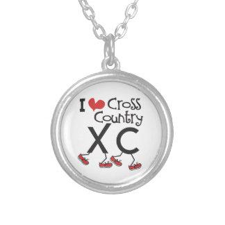 XCを走るIハート(愛)のクロス・カントリー シルバープレートネックレス