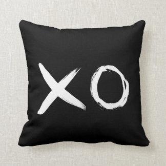 XOの白黒枕 クッション