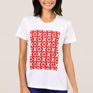 XOはパターンイラストレーションの赤い白に接吻し、抱き締めます Tシャツ