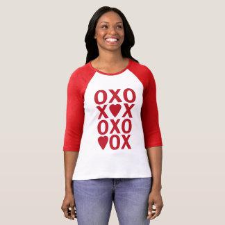 XOXOのハートのバレンタインデーのraglanの女性のワイシャツ Tシャツ