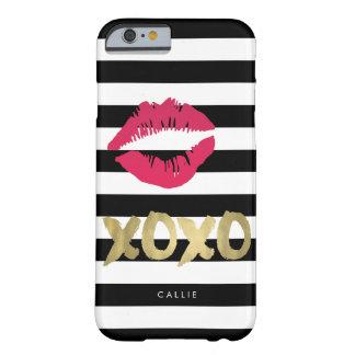 XOXOのピンクの唇のプリント黒い及び白のストライプ BARELY THERE iPhone 6 ケース