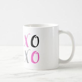 XOXOの抱擁およびキスのコーヒー・マグ コーヒーマグカップ