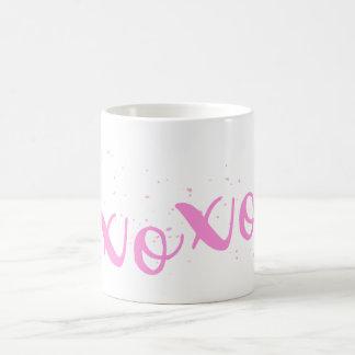 xoxoピンクのトレンディー コーヒーマグカップ