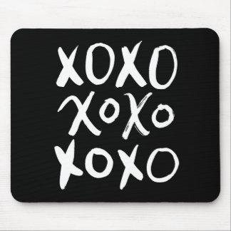 XOXO |の白いブラシの原稿 マウスパッド