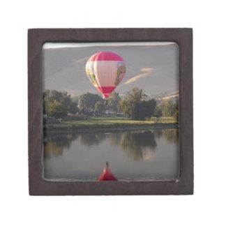 Yakimaの川上の熱気の気球 ギフトボックス