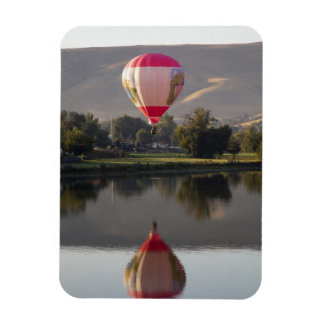 Yakimaの川上の熱気の気球 マグネット