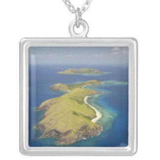 Yanuyaの島、Mamanucaの島、フィージー シルバープレートネックレス