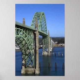 Yaquina湾に及ぶYaquina湾橋 ポスター