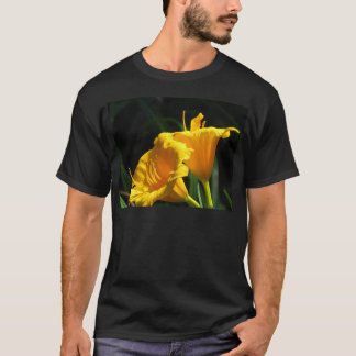Yelloのユリ Tシャツ