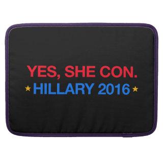 yes、彼女は騙します。 ヒラリー2016年 MacBook proスリーブ