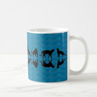 Yeshuaの猫のシルエットのマグ コーヒーマグカップ