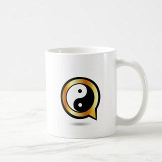 yingおよびヤンとのアルファベットQ コーヒーマグカップ