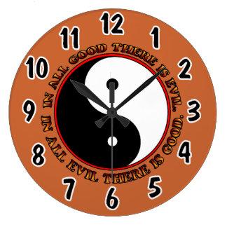 Yingおよびヤンの時計 ラージ壁時計