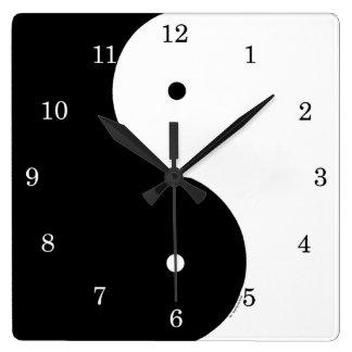 Ying及びヤンの柱時計 スクエア壁時計