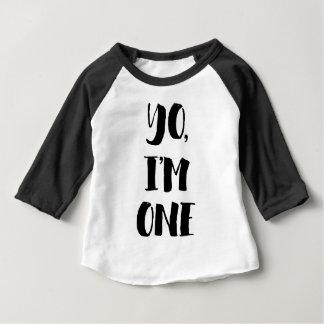Yo、私は1才です ベビーTシャツ