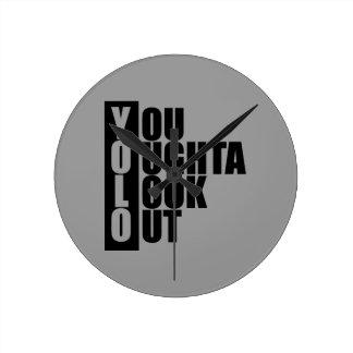 YOLOの垂直箱 ラウンド壁時計
