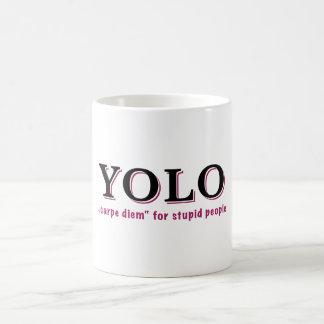 YOLO -愚かな人々のためのCarpeのdiem コーヒーマグカップ
