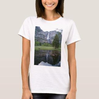 Yosemite Fallsの反射 Tシャツ