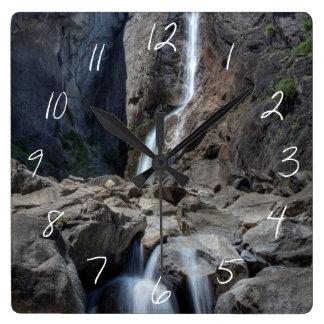 Yosemite Fallsを下げて下さい スクエア壁時計