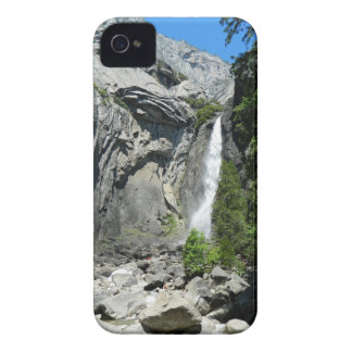 Yosemite Fallsを下げて下さい Case-Mate iPhone 4 ケース