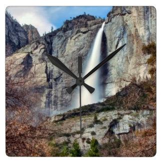 Yosemite Falls スクエア壁時計