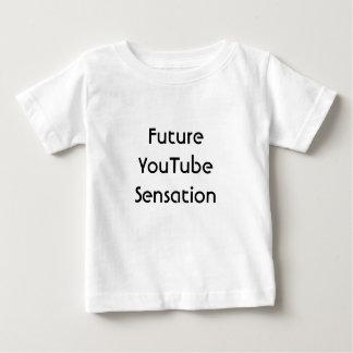 YouTubeの未来の感覚。 おもしろい ベビーTシャツ