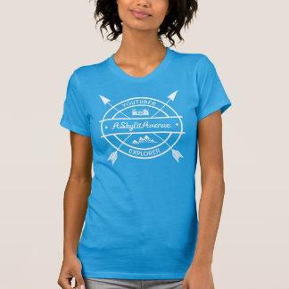 YouTuberか探検家の女性のTシャツ Tシャツ