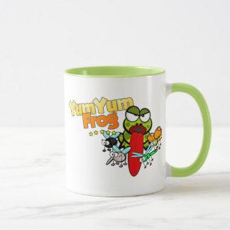 YumYumのカエルの記念品 マグカップ