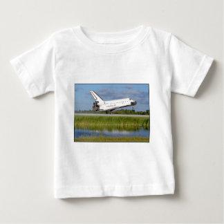 ZAZ222 STS86アトランティスの着陸 ベビーTシャツ