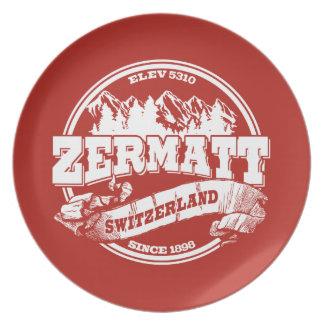 Zermattの古い円の赤 皿