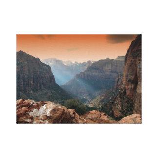 Zion公園、ユタのすばらしい自然の景色 キャンバスプリント